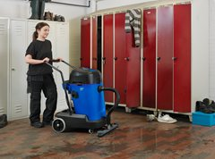 Nilfisk MAXXI II Wet and Dry Vacuum Cleaner with fixed floor tool
